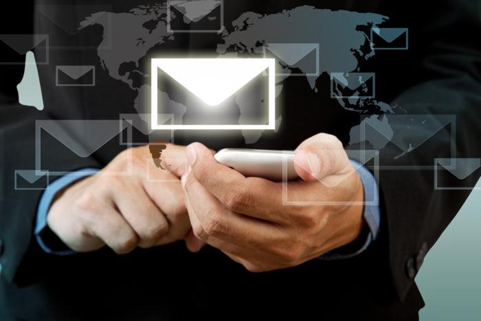Jak Polacy korzystają z poczty e-mail? Raport